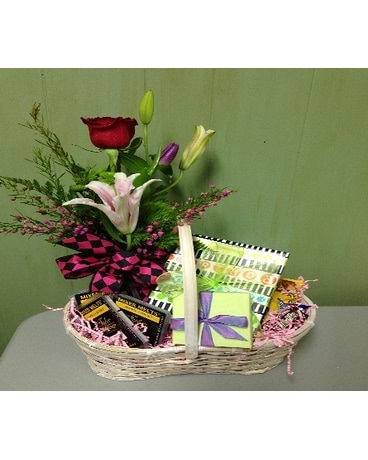 Gift Basket w/ Mixed Bud Vase